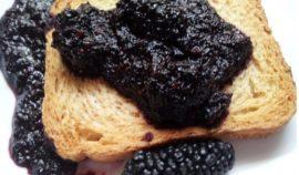 creare una marmellata di gelsi neri